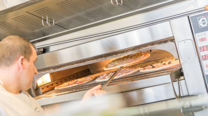 Das Restaurant Pizzarella-Plus konnte sich gegen acht Lieferdienst-Konkurrenten in unserem Leser-Voting durchsetzen.
