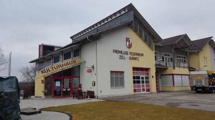 Unbekannte Täter sind ins Rüsthaus der Feuerwehr eingebrochen.