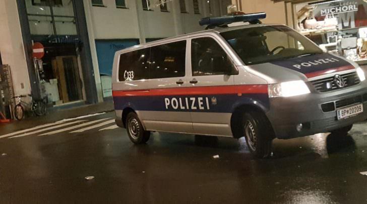 Die Polizei leitete sofort eine Alarmfahndung ein um die Täter zu fassen.