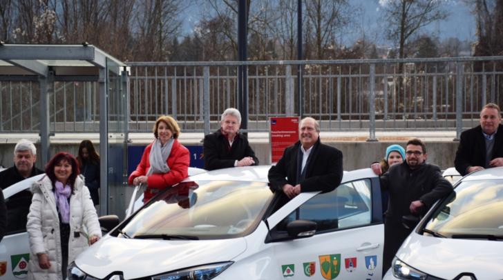 E-Fahrzeuge für Bürgerinnen und Bürger. LHStv. Gaby Schaunig und LR Rolf Holub bei Vorzeigeprojekt ´AMUD´