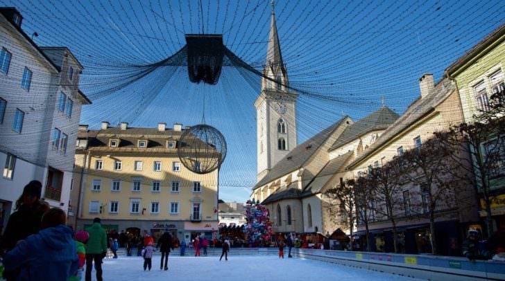Eislaufzauber auf dem Villacher Rathausplatz