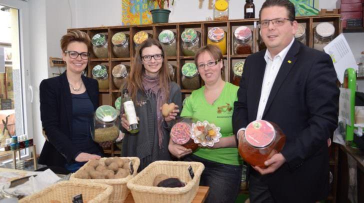 Stadträtin Katharina Spanring und Stadtrat Christian Pober besuchten das neue gemeinsame Geschäft