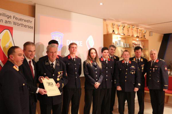 Neben der Ehrung lanjähriger Mitglieder, wurden auch vier junge KameradInnen in die FF Velden aufgenommen.