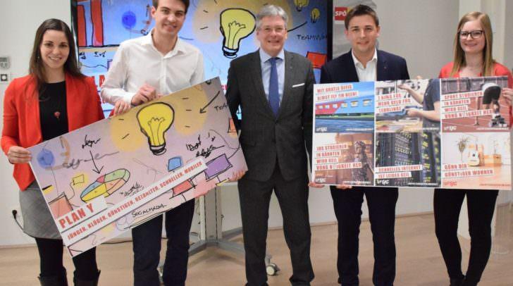 Die vier JugendkandidatInnen Christina Patterer, Luca Burgstaller, Markus Fantur und Michaela Weratschnig mit Landeshauptmann Peter Kaiser beim präsentieren ihrer Ideen.