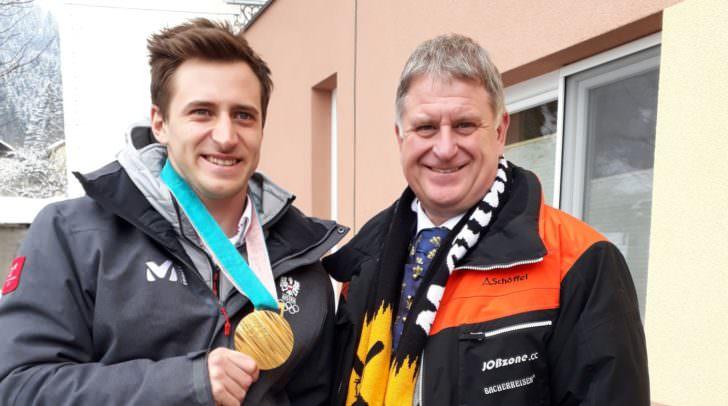 Matthias Mayer und Bürgermeister Linder Maximilian