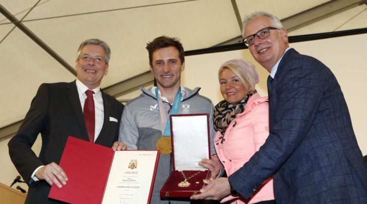 Empfang und Ehrung für Olympia Goldmedaillen-Gewinner Matthias Mayer mit LH Peter Kaiser, Sandra Wassermann und Reinhart Rohr.