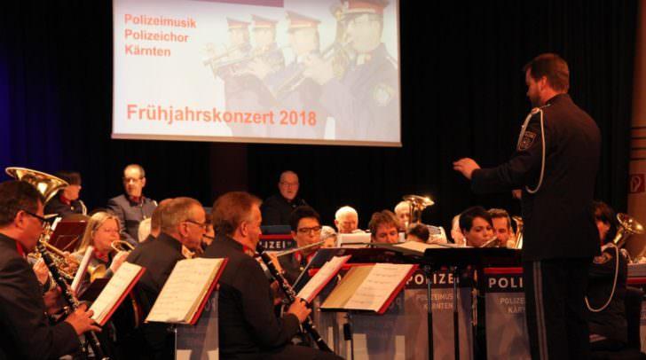 Die Polizeimusik wusste das Publikum unter anderem mit einem Rainhard-Fendrich-Medley zu begeistern.