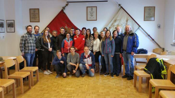 Die 20 Teilnehmer wurden professionell von den Mitarbeitern des Roten Kreuzes angeleitet und ausgebildet.