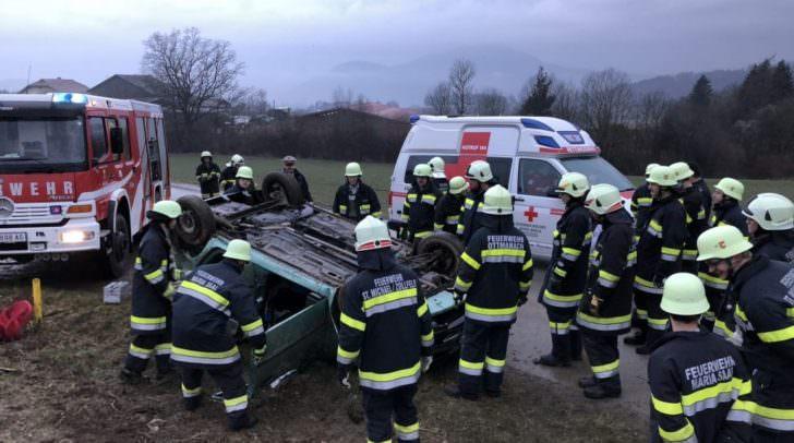 Gleich drei Feuerwehren mussten zum Unfall ausrücken