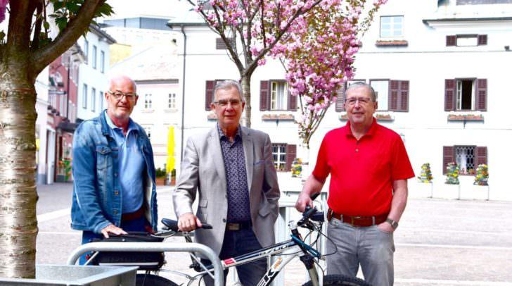 v.l: Siegfried Hohenwarter, Stadtrat Harald Sobe, Fahrradkoordinator Ronald Messic