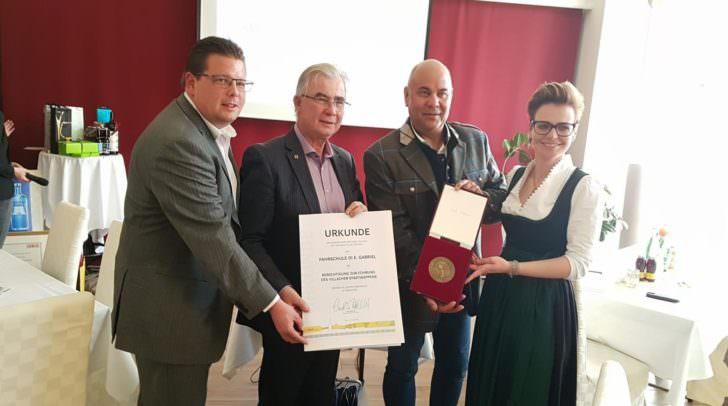 Im Jahr 2018 wurde der Fahrschule das Villacher Stadtwappen verliehen