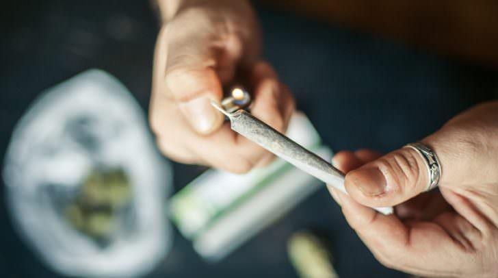 Der 27-jährige Afghane verkaufte nachweislich zumindest an zehn Personen Cannabiskraut.