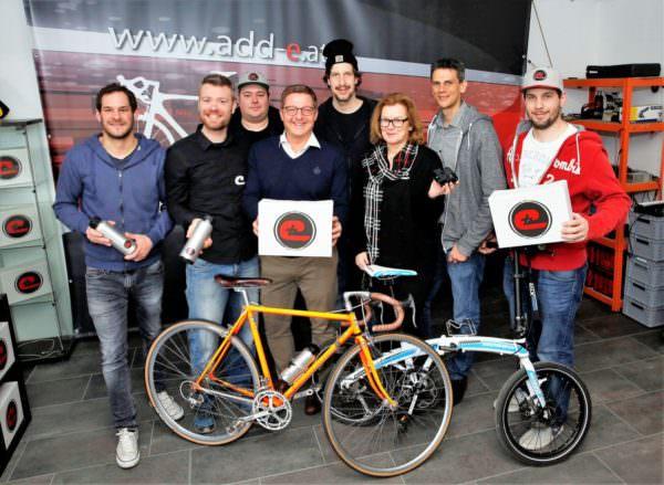 """Bürgermeister Günther Albel besuchte das """"GP Motion""""-Team um Fabian Gutbrod (Zweiter von links)."""