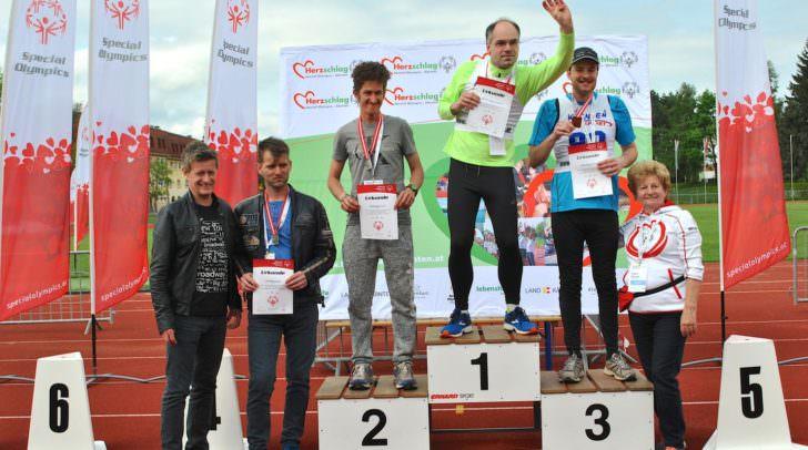 Michael Grünkranz (Lebenshilfe Klagenfurt; Mitte) holte den Tagessieg über 50m Rollstuhl-Fahren
