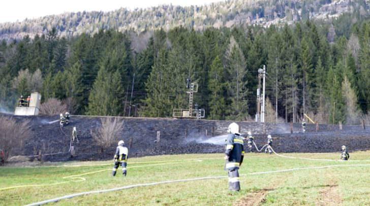 Am Donnerstag kam es auf der Strecke Lienz - Spittal zu mehreren Böschungsbränden
