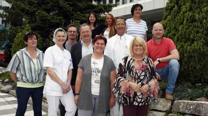 """Gerda Sandriesser mit dem Team von """"Essen auf Rädern"""""""