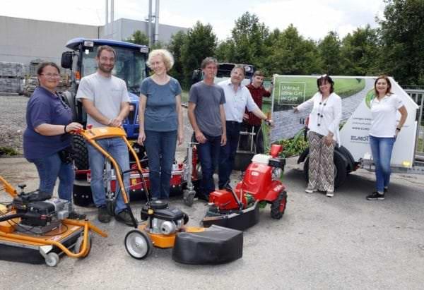 Vizebürgermeisterin Petra Oberrauner mit MitarbeiterInnen des Stadtgartens.