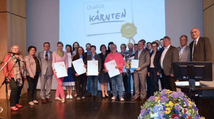 Die Top-Betriebe und besten Touristikerinnen und Touristiker wurden vonTourismuslandesrat Ulrich Zafoschnig und Regionsgeschäftsführer Georg Overs ausgezeichnet.