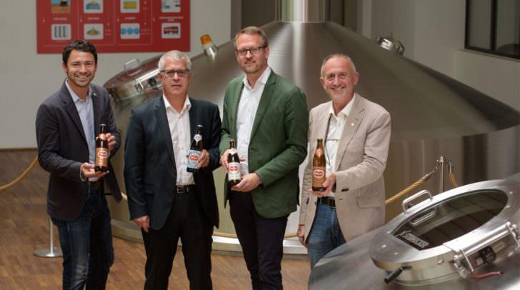 Neue Kooperation zwischen Tourismus und Brauerei: Von rechts Gerhard Stroitz<br /></noscript>(Tourismusverband), Mag. Peter Peschel (Villacher Bier), Mag. Thomas Santler und<br />Mag. Dr. Andreas Kuchler (Tourismusverband).