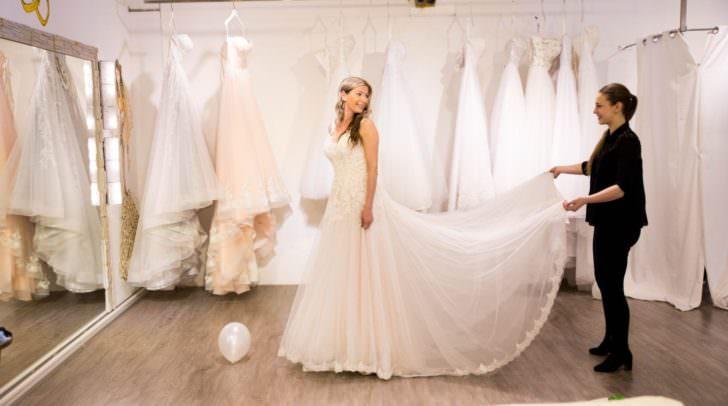 Wie du zu deinem perfekten Kleid kommst? Wir sagen es dir.