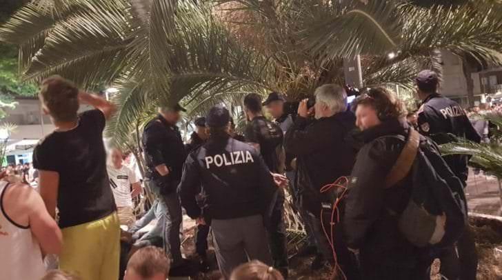 Auch ein Team von ATV begleitete die Polizei.