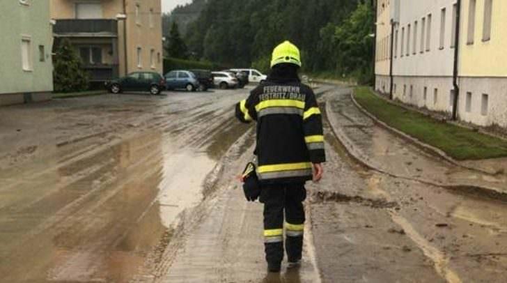 Der starke Regen forderte den Einsatzkräften einiges ab.