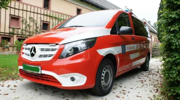Für den Aufbau des Fahrzeuges zeichnet die Firma Identica Schnabl Nötsch verantwortlich.