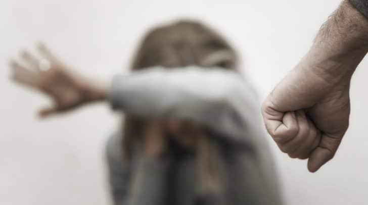 Die 44-Jährige wurde nach dem Streit mit einer blutenden Kopfwunde in das LKH Villach gebracht.