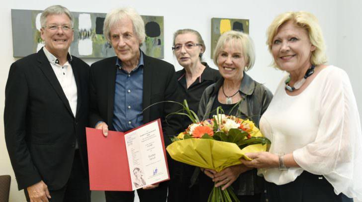 Bürgermeisterin Dr. Maria-Luise Mathiaschitz und Landeshauptmann Dr. Peter Kaiser mit dem Ehepaar Gustav und Frieda Januš sowie Mag. Ulrike Fink, der Witwe von Humbert Fink.