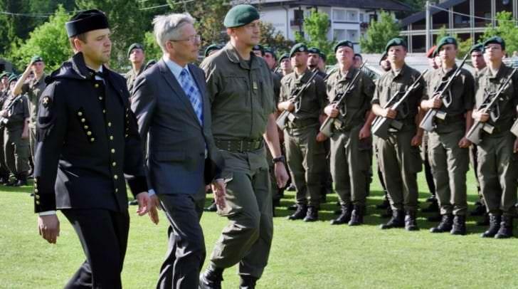 LH Peter Kaiser bei Angelobung von 450 Rekrutinnen und Rekruten des Bundesheeres