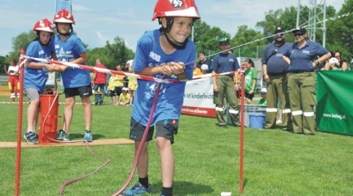 Bei verschiedenen Spielen wird den Schülern Sicherheit spielerisch näher gebracht.