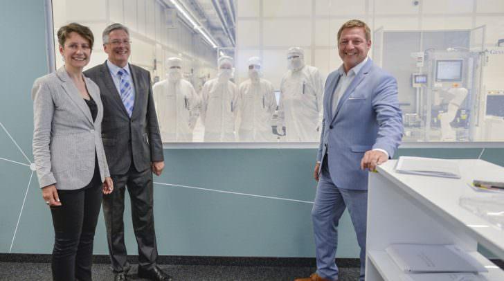 LH Dr. Peter Kaiser<br /></noscript>Sabine Herlitschka, Vorstandsvorsitzende der Infineon Technologies Austria,<br />Günther Albel, Bürgermeister Villach