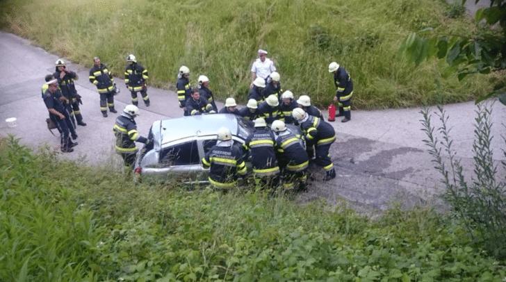 Das Auto musste geborgen werden