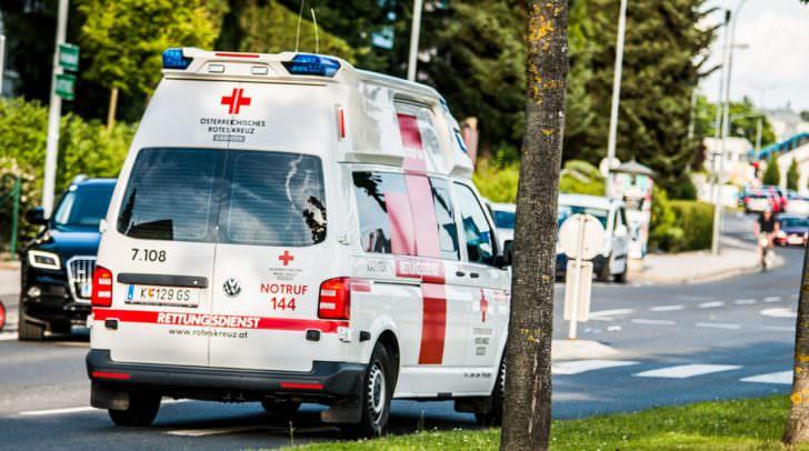 Der schwer verletzte, alkoholisierte Radfahrer musste nach medizinischer Erstversorgung in das Klinikum Klagenfurt gebracht werden.