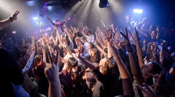 DJ Johnny Vincent legt bereits seit fünf Jahren im V-Club auf.