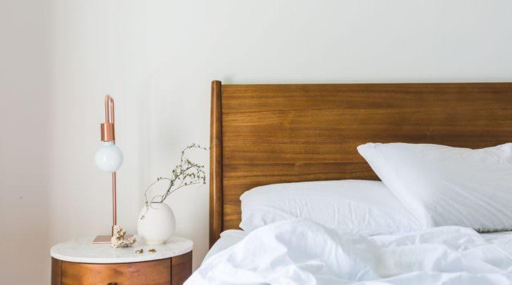 Nicht weniger wichtig ist die Gemütlichkeit natürlich auch im Schlafzimmer, denn nichts ist für den folgenden stressigen Arbeitstag wichtiger als eine Nacht, in der man optimal schlafen konnte.