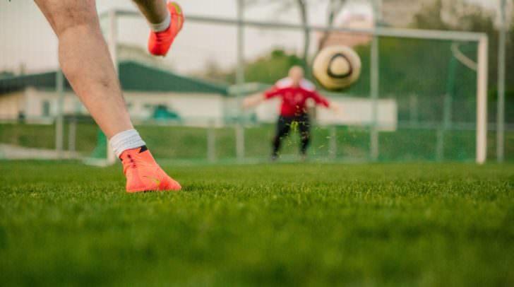 Viele Menschen möchten heutzutage auch mobil auf ihre Sportwetten zurückgreifen können.