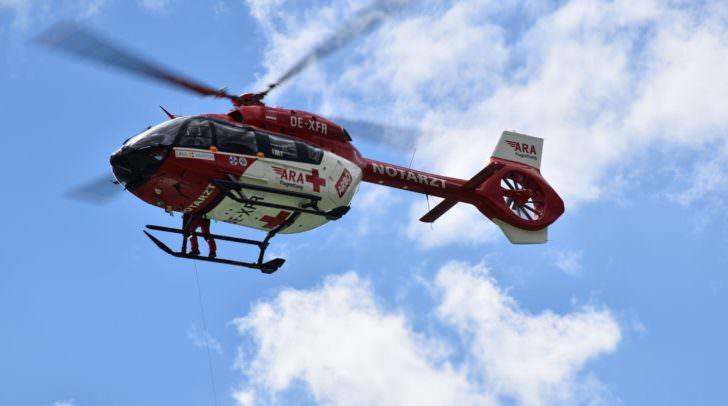 Der Gatte der verunglückten Bergsteigerin wurde mit dem Rettungshubschrauber RK1 ins Tal geflogen und vom Roten Kreuz betreut.