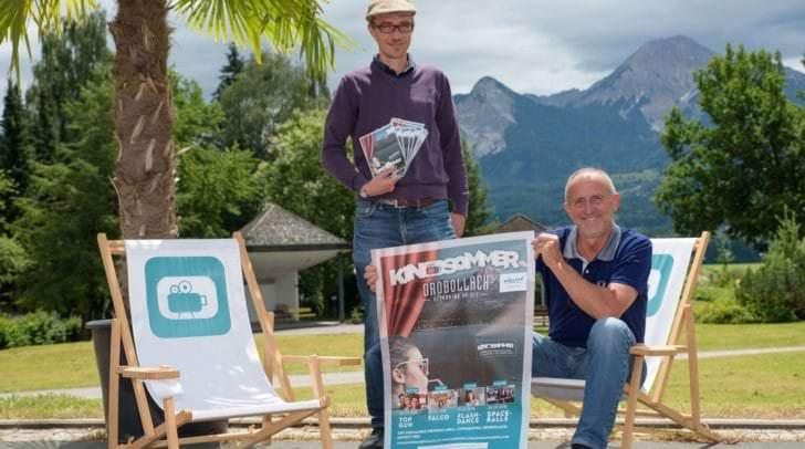 v.r.: Gerhard Stroitz (Vorsitzender Tourismusverband) und Mag. Fritz Hock (Filmstudio und K3 Fimfestival) testen jetzt Drobollach als neue Kinodestination.