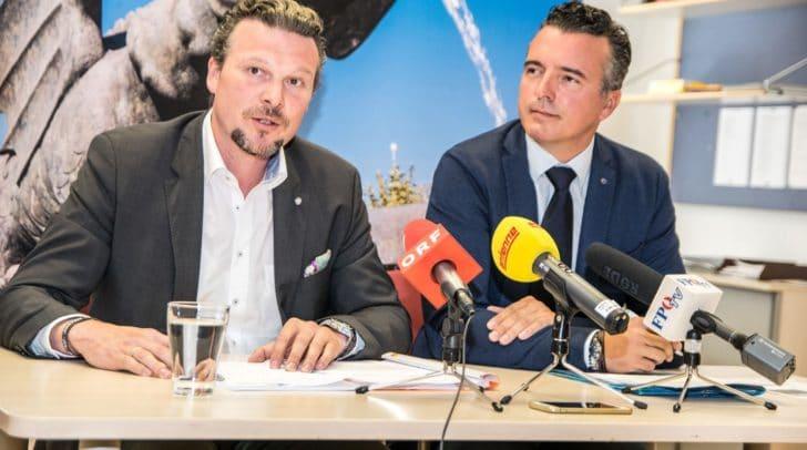 FPÖ Stadtrat Germ und FPÖ Landesparteiobmann Darmann bei der Pressekonferenz am Montag Vormittag.