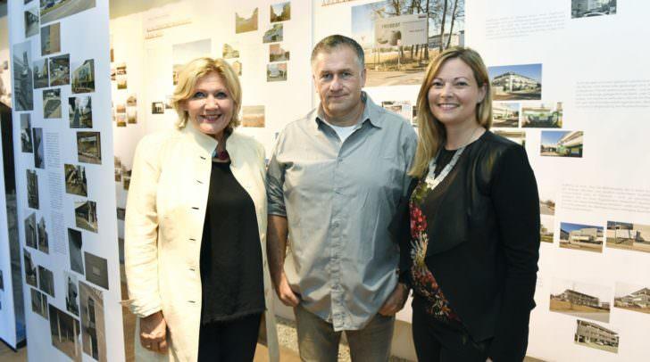 Bürgermeisterin Dr. Maria-Luise Mathiaschitz mit dem Raum- und Stadtplaner Dr. Reinhard Seiß und DI Raffaela Lackner vom Architektur Haus Kärnten.