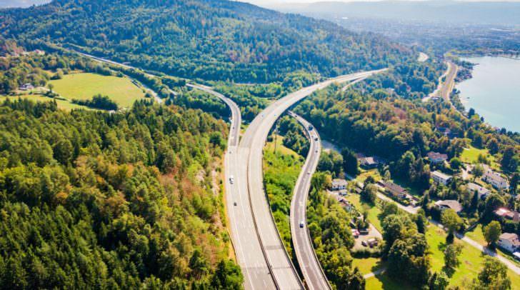 Auf der A2 lieferten sich die Schweizer das illegale Rennen. Ab Höhe Krumpendorf wurde eine Polizeistreife auf sie aufmerksam.