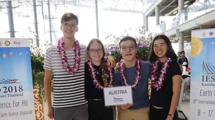 Kärntner holen Olympisches Gold bei Erdwissenschaftsolympiade. Micheal Narnhofer und Thomas Uhl  mit Victoria Kalla und Mira Gaggl