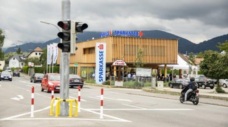 Am Freitag war die offizielle Eröffnungsfeier der neuen Sparkasse Filiale.