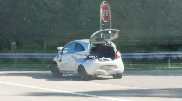 Unfallwagen auf der A2