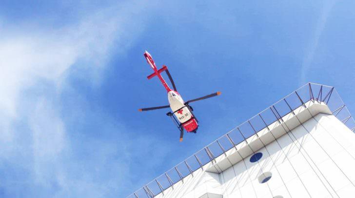 Die schwer verletzte Frau wurde von der Besatzung des Rettungshubschraubers RK1 ins LKH Villach geflogen