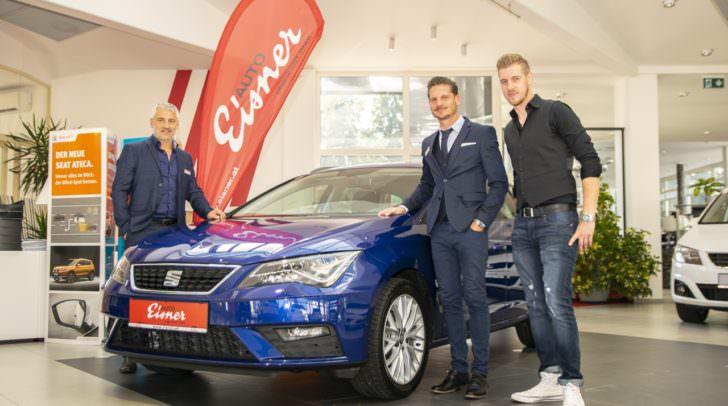 Das Eisner Team in der Pischeldorferstraße mit Sarino Condipodaro, David De Simone und Manuel Kohlmaier wartet mit einem Rabatt von bis zu -25% auf alle Vorführ- und Direktionswagen der Marke SEAT auf!