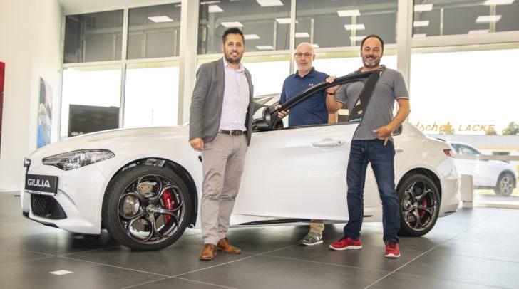 Doppelter Grund zum Feiern für Manuel Knapp, Klaus Sturm und Rüdiger Schwab: Der neue Schauraum und das Eisner Oktoberfest bei Eisner Auto Italia