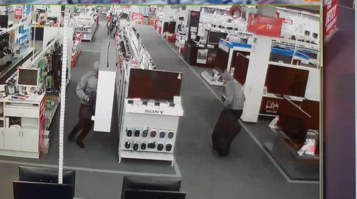 Aufzeichnung der Videokamera: Die Diebe waren gleich gekleidet