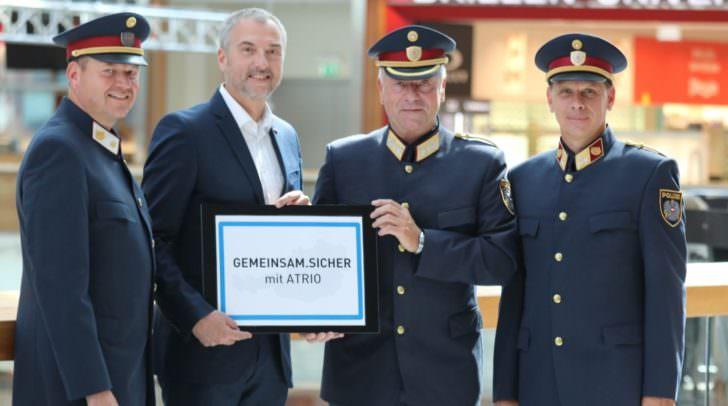 Abteilungsinspektor Thomas Warmuth, Center Manager Richard Oswald, Generalmajor Wolfgang Rauchegger und Oberst Wolfgang Gabrutsch.